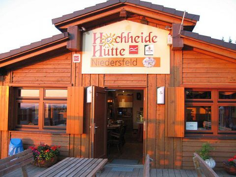 hochheide-huette-3_front_large