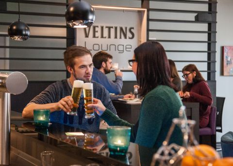 OVERSUM VELTINS-Lounge